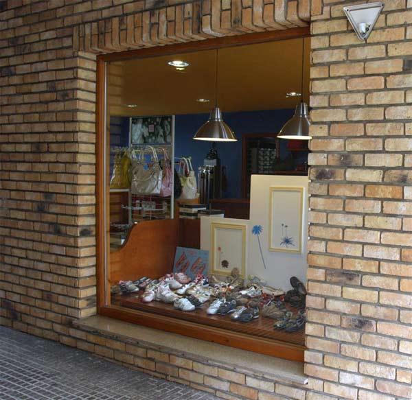Fotografía de la empresa Zapateria Mamen - Se abre en ventana nueva